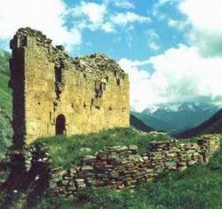 В Северной Осетии повернут реку ради спасения храма XII века