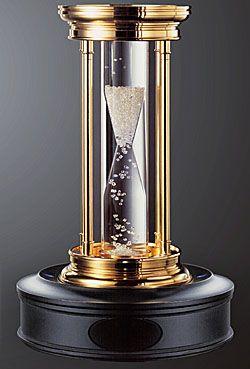 Бриллиантовые песочные часы