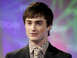 Сумасшедшая фанатка терроризирует Гарри Поттера
