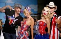 Порно-дивы показали новую коллекцию бренда Heatherette (фото)