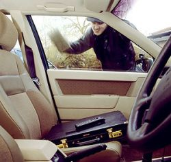 Осенью учащаются кражи машин - как с этим бороться
