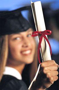 Многие вузы просто торгуют дипломами, а знаний не дают