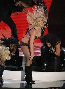 Провальное выступление Бритни Спирс (видео)