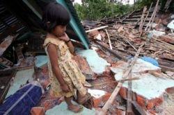 Последствия нового землетрясения в Индонезии (фото)