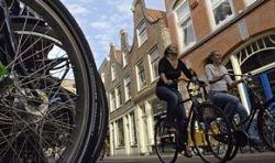 Брюссельцев пересаживают на велосипеды