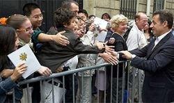 Президент Франции устроил День открытых дверей
