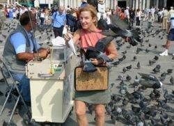 Итальянская полиция спасет Венецию от голубиного помета