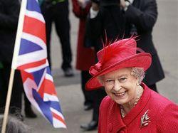 Елизавета II выиграла в лотерею два куска мыла и масло для ванны