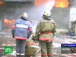 На юго-западе Москвы загорелся техцентр