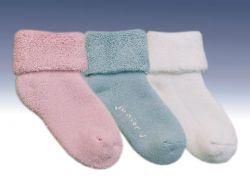 Носки могут оставить на детских ногах шрамы