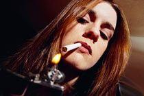 Курильщицы чаще страдают угревой сыпью