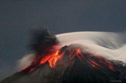 Впечатляющие фото извержение вулкана Тунгурахуа (фото)