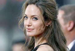 Анджелина Джоли не может иметь детей