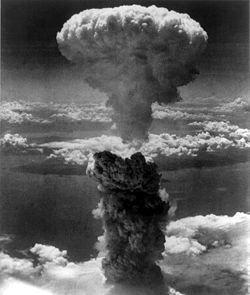 Четверть американцев считают оправданным использование атомной бомбы в условиях войны