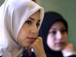 В Киргизии пока не выдали ни одного паспорта с фотографией в хиджабе