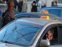 Госдума облегчит жизнь таксистам