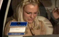 Папарацци атакуют Бритни Спирс на выходе из клуба (видео)