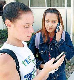 Террористы угрожали взорвать пять школ