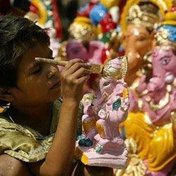 Индия лидирует по числу красочных праздников