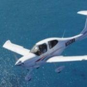 В США самолет врезался в ресторан