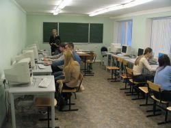 Российские школы смогут выбирать между платными Windows и бесплатным отечественным софтом