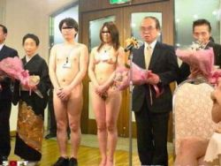 """В Китае в моду входят \""""голые свадьбы\"""" (фото)"""