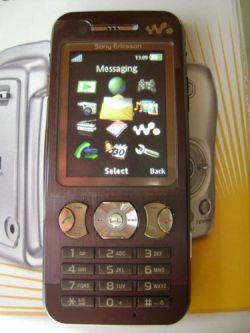 «Шпионские» фото преемника Sony Ericsson W880i