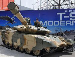 Россия демонстрирует в Индии модернизированный ОБТ Т-90С.