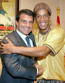 Лапорта: С Роналдиньо все в порядке