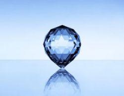 Индия решила отказаться от импорта золота и алмазов