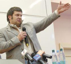 Известный телеведущий Владимир Соловьев снова занялся рейдерством?