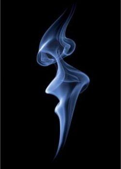 Удивительные формы, созданные при помощи дыма от сигарет (фото)
