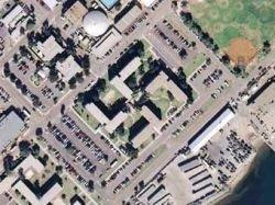 ВМС США перестроят похожие на свастику казармы