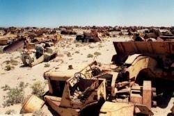 Кладбище заброшенных машин (фото)