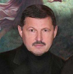На топливную компанию Владимира Кумарина претендуют «Роснефть» и «Сургутнефтегаз»