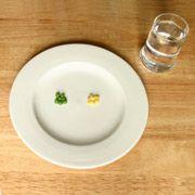 Больным анорексией еда кажется безвкусной