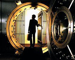 Почему банковские металлические вклады становятся все более популярными