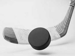 Канадский хоккеист умер во время матча