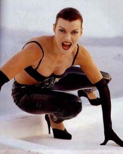 Певица Лада Дэнс получила удовольствие от эротической фотосъемки (фото)