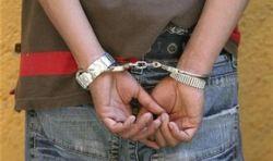 Скованные наручниками подростки угнали машину пограничника