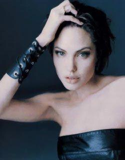 Анджелину Джоли уволили с работы