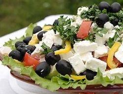 Испанские повара сделали самый большой салат в мире