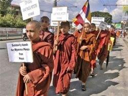 Хунта победила монахов