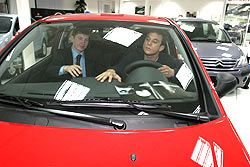 Почему в эпоху товарного изобилия в Москве так сложно купить понравившуюся машину?