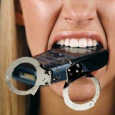 Вибратор, презервативы и автозагар: концепт идеального женского телефона