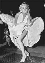 Открылась выставка потерянных платьев Мэрилин Монро