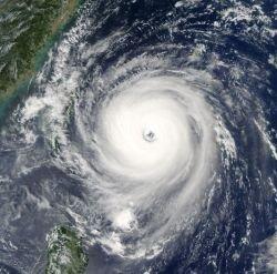 Более 100 тыс. китайцев эвакуировано из-за тайфуна