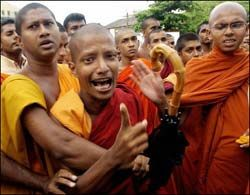 Тысячи демонстрантов и монахов исчезли в тайных лагерях Мьянмы
