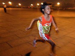 10-летняя девочка проплыла 3 километра со связанными конечностями