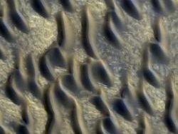 Новые фотографии с Марса поразили исследователей